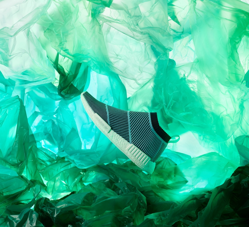 Thiết kế giày NMD_CS1 được sản xuất bằng chất liệu tái chế được thu nhặt từ biển.