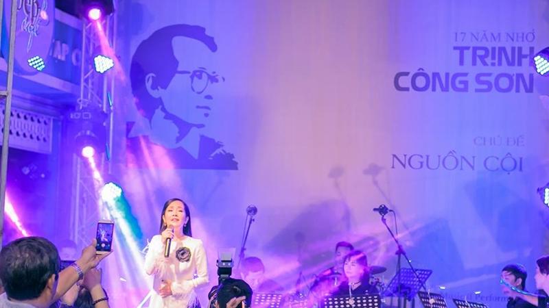"""Đêm nhạc """"Nhớ Trịnh Công Sơn"""" đong đầy cảm xúc"""