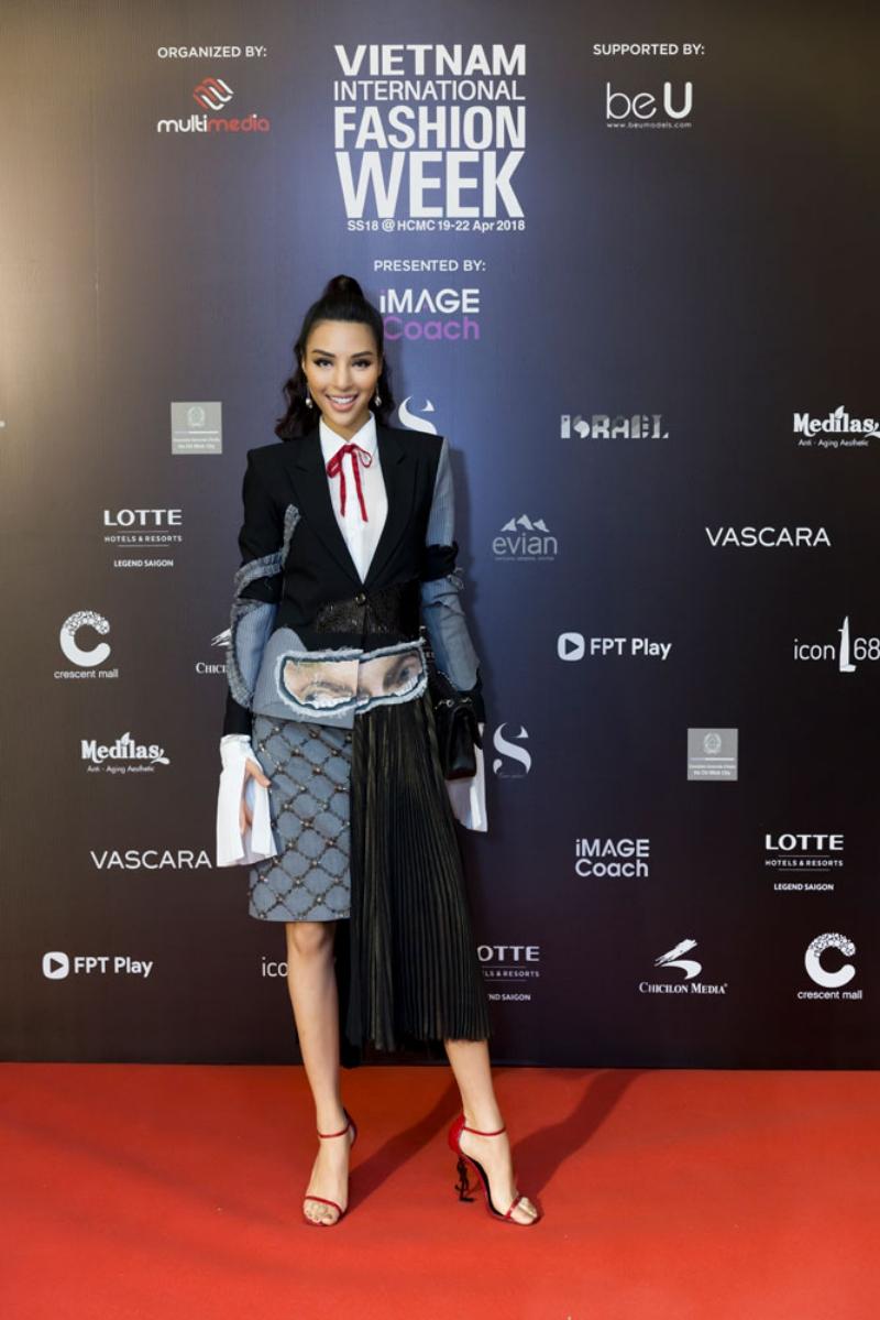 Người mẫu Khả Trang