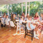 """""""Bà mẹ siêu nhân"""" với 16 người con đã quản lí cuộc sống của mình ra sao?"""