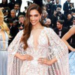 """Mỹ nhân """"đắt giá"""" bậc nhất Bollywood diện váy cưới lên thảm đỏ Cannes, lấn át dàn siêu mẫu Victoria's Secret"""