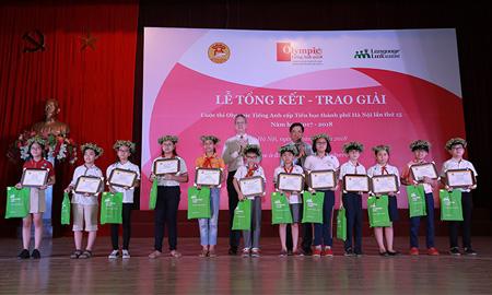 Vinh danh 202 cá nhân và 15 tập thể xuất sắc trong cuộc thi Olympic tiếng Anh Tiểu học thành phố Hà Nội lần thứ 15