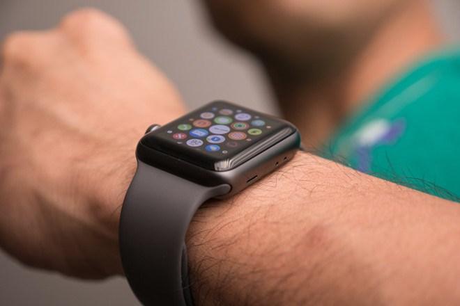 Một người đàn ông ở Anh may mắn thoát chết nhờ Apple Watch