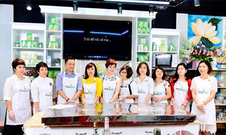 10 nghệ nhân làm bánh chung tay tạo nên bánh tranh thạch 3D 200kg mừng Ngày Của Mẹ