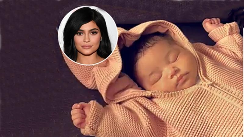 """""""Hotgirl môi tều"""" Kylie Jenner hé lộ lý do chọn tên con gái là """"Bão"""""""