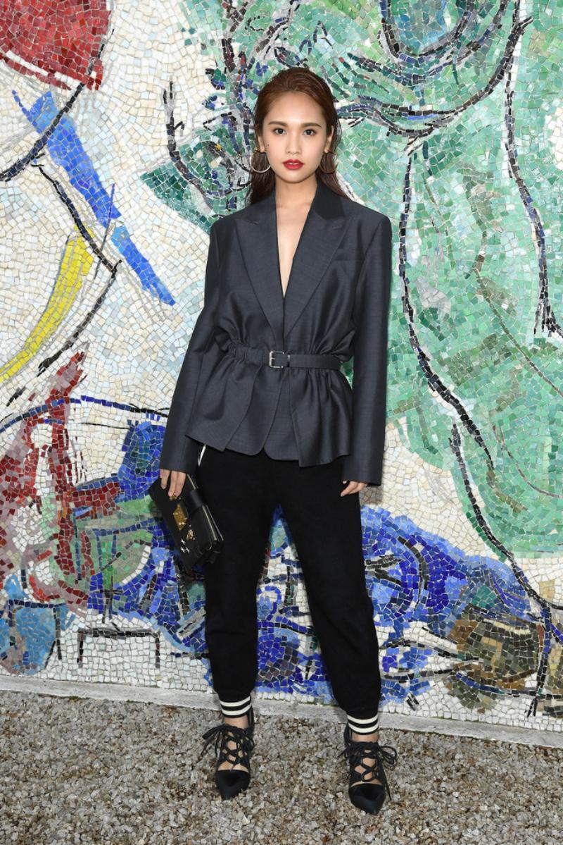 Diễn viên, ca sĩ người Đài Loan Dương Thừa Lâm cũng góp mặt vào dàn mỹ nhân đình đám xuất hiện tại show của Louis Vuitton.