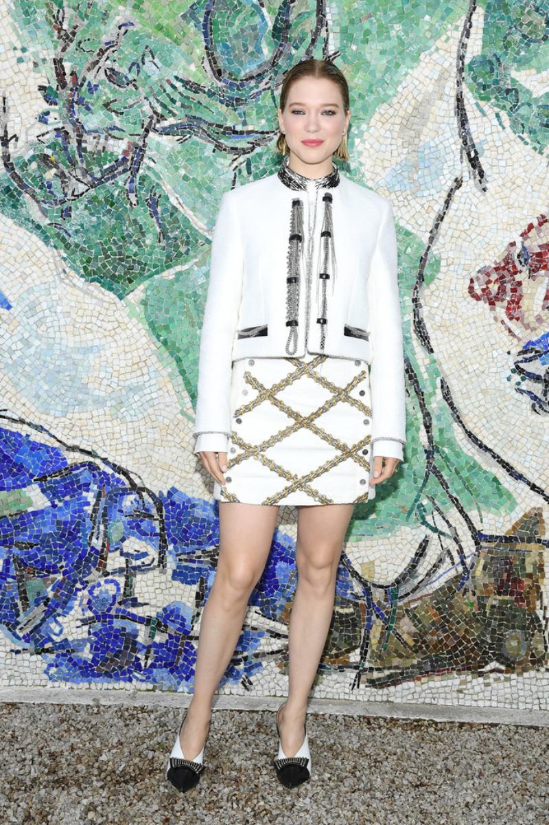 Diễn viên Pháp Lea Seydoux - gương mặt quảng cáo cho dòng nước hoa của Louis Vuitton - cũng không thể vắng mặt.