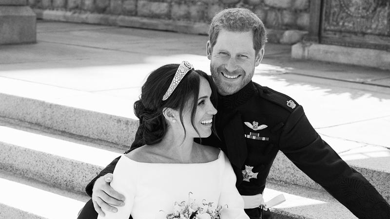 Hé lộbức ảnh chưa từng thấy của Hoàng tử Harry và Meghan