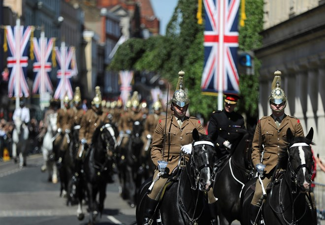 Tổng duyệt diễu hành chuẩn bị cho Lễ cưới Hoàng gia Anh