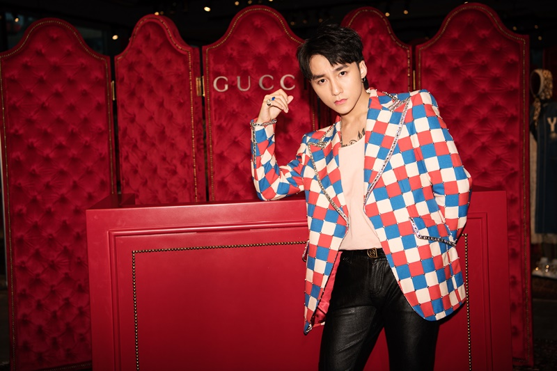 Sơn Tùng M-TP là VIP duy nhất từ Việt Nam tham dự buổi giới thiệu BST Thu Đông 2018 của Gucci tại Hong Kong.