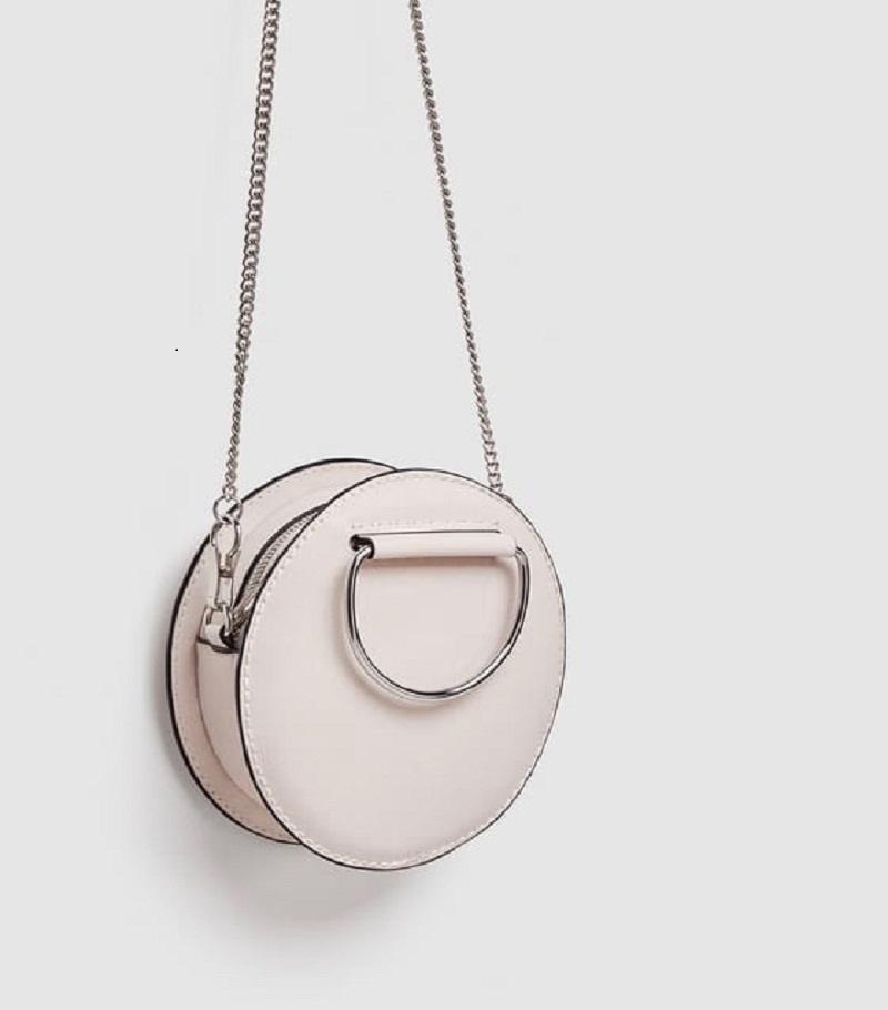 Túi đeo chéo mini hình tròn của thương hiệu Zara