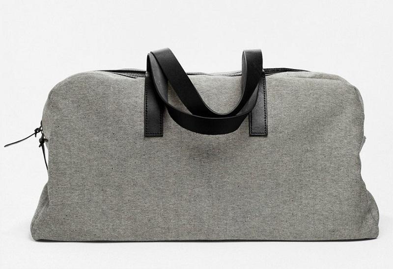 Chiếc túi du lịch chất liệutwill của Everlane khiến bạn yên tâm mang theo đủ đồ cho chuyến đi của mình. Ảnh: Sự tự do, ham muốn xê dịch chính là cảm xúc tới từ chiếc túi du lịch da mềm của Madewell. Ảnh: Dagne Dover cho các nàng yêu màu xanh một lựa chọn khác.