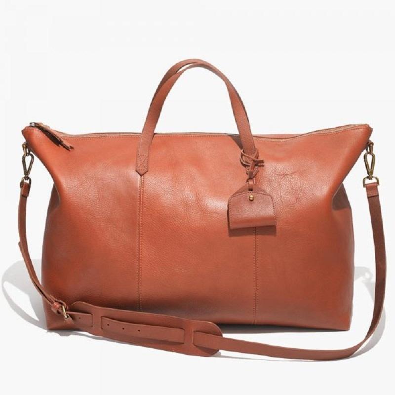 Sự tự do, khao khát dịch chuyển chính là cảm hứng cho thiết kế túi du lịch bằng da của Madewell.