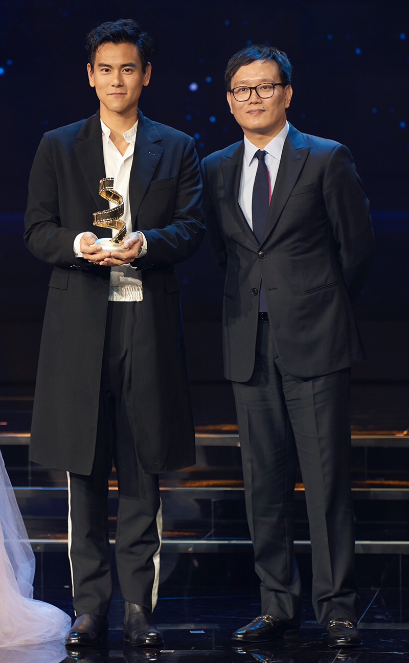 Bành Vu Yến tham gia Đêm Hội Điện Ảnh Weibo 2018 và nhận giải thưởng Nam diễn viên chính xuất sắc nhất.