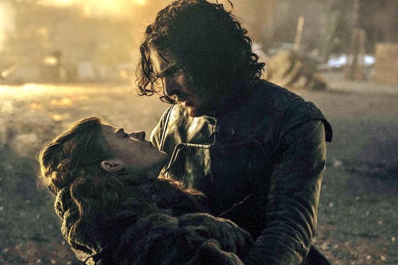 """Khi Ygritte bỏ mạng trong tay Jon ở cuối mùa thứ 4, lời cuối cùng của cô nói với anh cũng là: """"Em ước gì được trở về cái hang đó""""."""