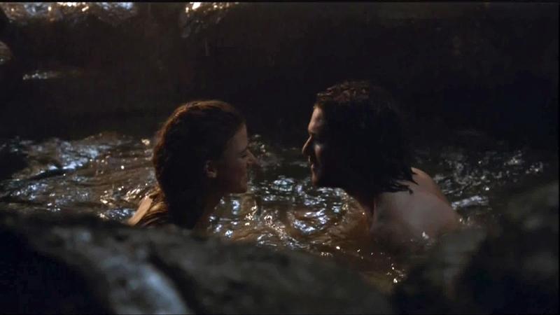 Khoảnh khắc gần gũi, lãng mạn giữa Jon Snow và Ygritte trong hang động