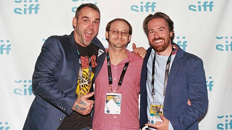 Đạo diễn Mark Dennis (trái) và đạo diễn Ben Foster (phải phía ngoài cùng)