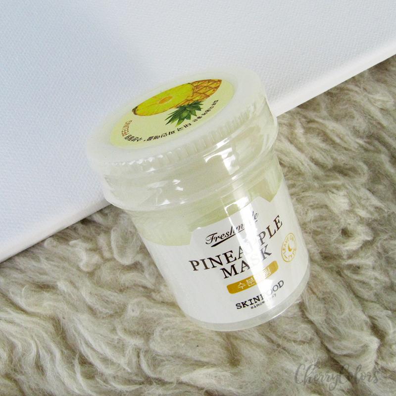 Skinfood Freshmade Pineapple Mask ($13.00, khoảng 260.000VND)