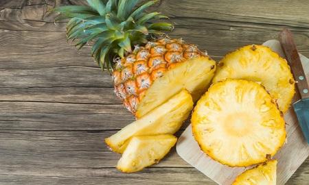 Vừa xinh vừa mát, dứa là loại trái cây được các tín đồ thời trang và làm đẹp ưu ái nhất hè này