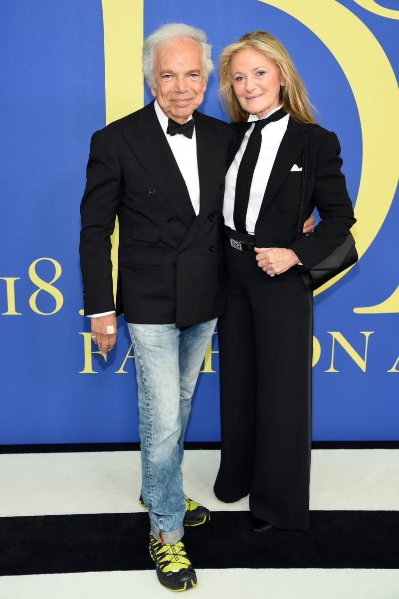 NTK Ralph Lauren tham dự lễ trao giải cùng vợ, bà Ricky Anne Loew-Beer.