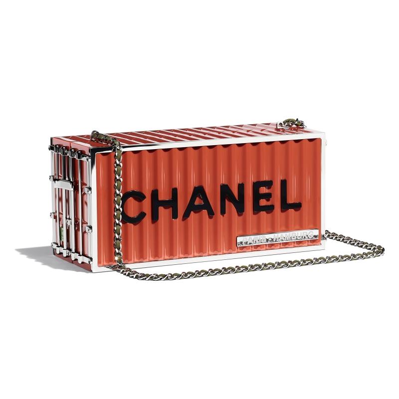 """Những chiếc túi xách container của Chanel hứa hẹn sẽ """"gây bão"""" trong thời gian tới."""
