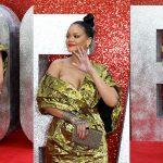 Nhìn Rihanna đáng yêu như vậy, ai cũng muốn ôm vào lòng!