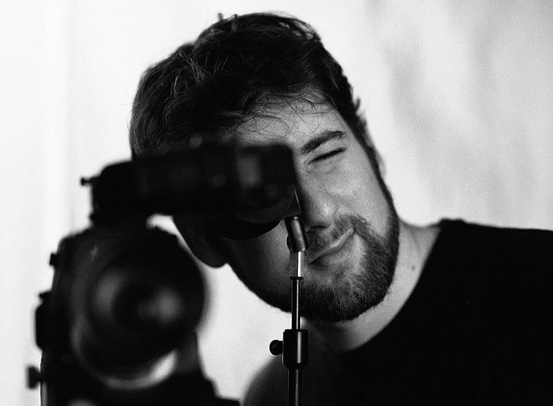 Đạo diễn hình ảnh Chris Freilich: một nhà quay phim tài ba sớm đã gây dấu ấn tại Hollywood khi tham gia nhiều vai trò khác nhau trong các tác phẩm điện ảnh ấn tượng như The Green Hornet, The Gift, Insidious: Chapter 3 hay gần nhất là Annabelle...