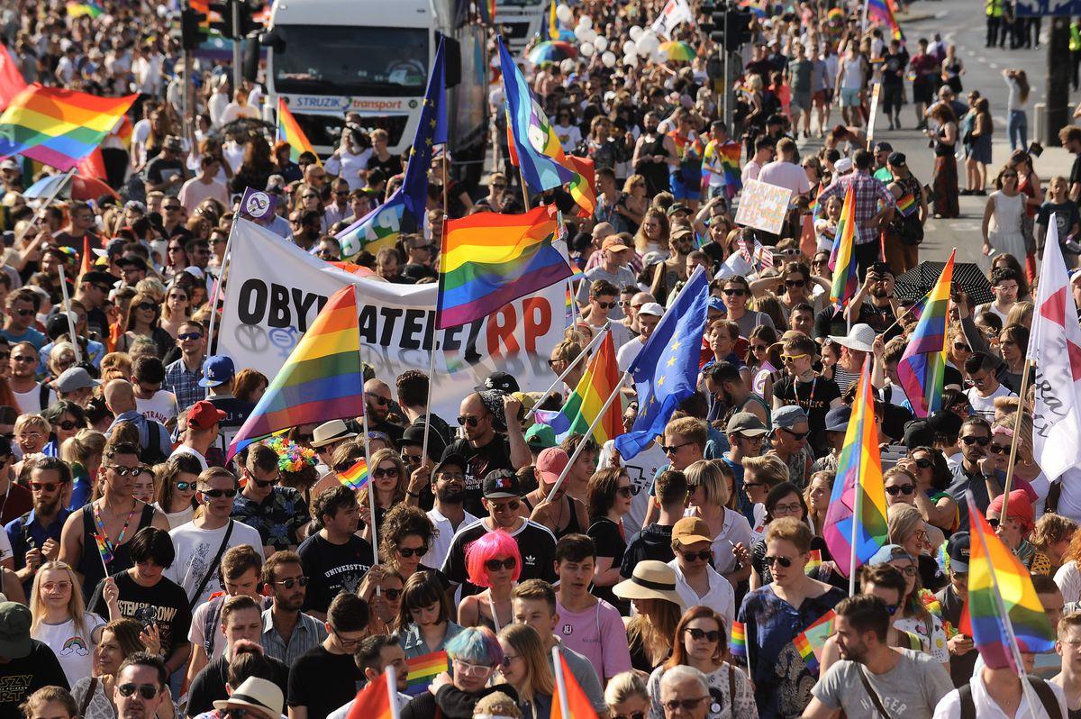 Những hình ảnh ấn tượng về Tháng Tự Hào của cộng đồng LGBT trên toàn thế giới