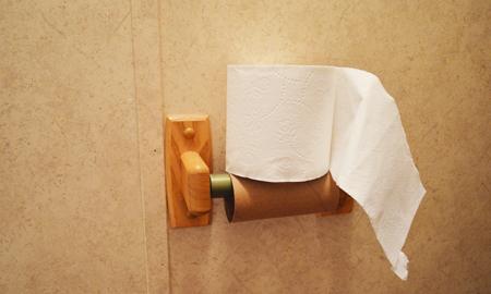 Trung Quốc đã dùng cách này để chống trộm giấy vệ sinh