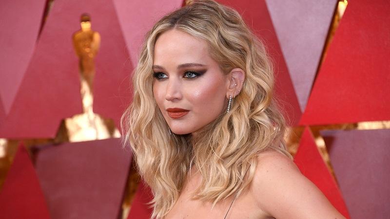 Jennifer Lawrence tại lễ trao giải Oscar 2018
