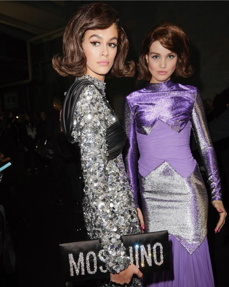 Hình ảnh những người mẫu không khỏi khiến cho chúng ta liên tưởng đến hình tượng Đệ nhất Phu nhân Jacqueline Kennedy.