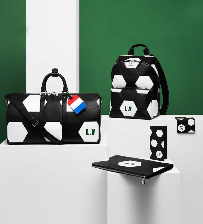 Những thiết kế túi xách, ba lô và phụ kiện của Louis Vuitton được thiết kế mô phỏng theo trái bóng.