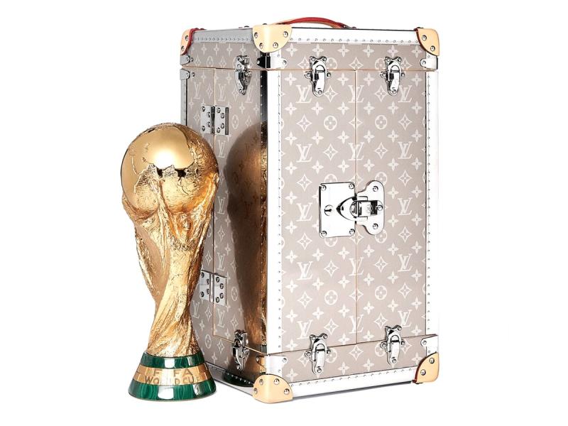 Đây là lần thứ 3 liên tiếp Louis Vuitton hợp tác cùng với FIFA tại Giải bóng đá vô địch thế giới.