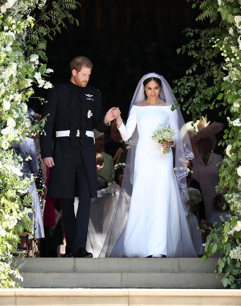 Sau ấn tượng tuyệt đẹp tại đám cưới hoàng gia vừa rồi, nhà mốt Givenchy tiếp tục là lựa chọn hoàn hảo cho công nương Meghan Markle.