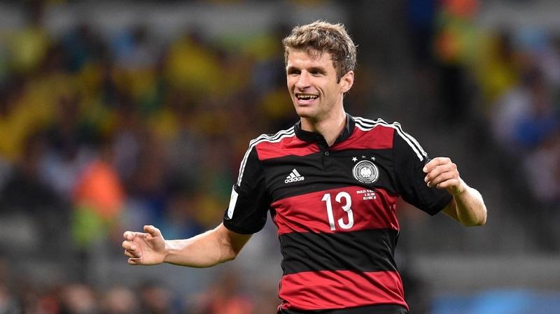 """""""Anh ấy không tìm bóng, bóng tìm đến anh ấy"""", Franz Beckenbauer (huấn luyện viên người Đức) mô tả."""