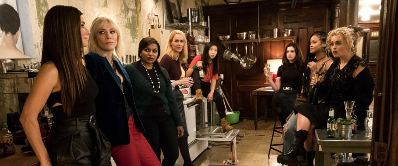 "Dàn diễn viên khủng trong phim ""Ocean's 8"" bao gồm: Sandra Bullock, Cate Blanchett, Anne Hathaway, Mindy Kaling, Sarah Paulson, Awkwafina, Rihanna, Helena Bonham Carter."