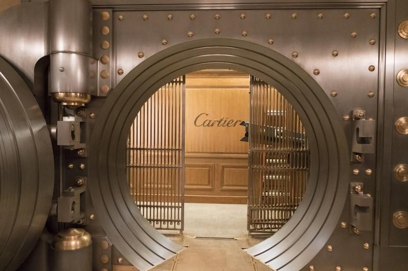 Phim được quay tại cửa hàng Cartier Mansion trên con đường số 52 ở New York.