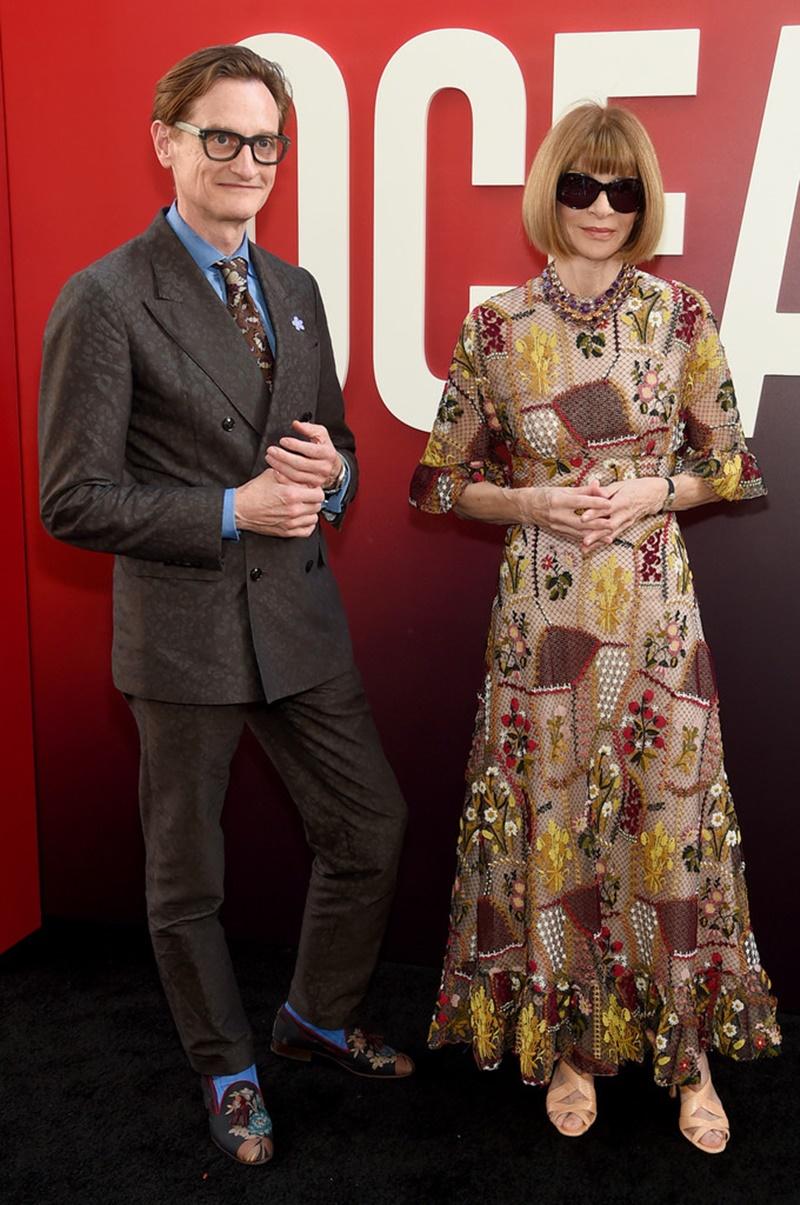 """Anna Wintour và Hamish Bowles trên thảm đỏ sự kiện """"Ocean's 8""""."""