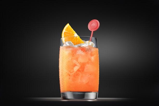 """""""Thổi hồn Việt"""" vào ly cocktail trên đường bay Vietnam Airlines"""