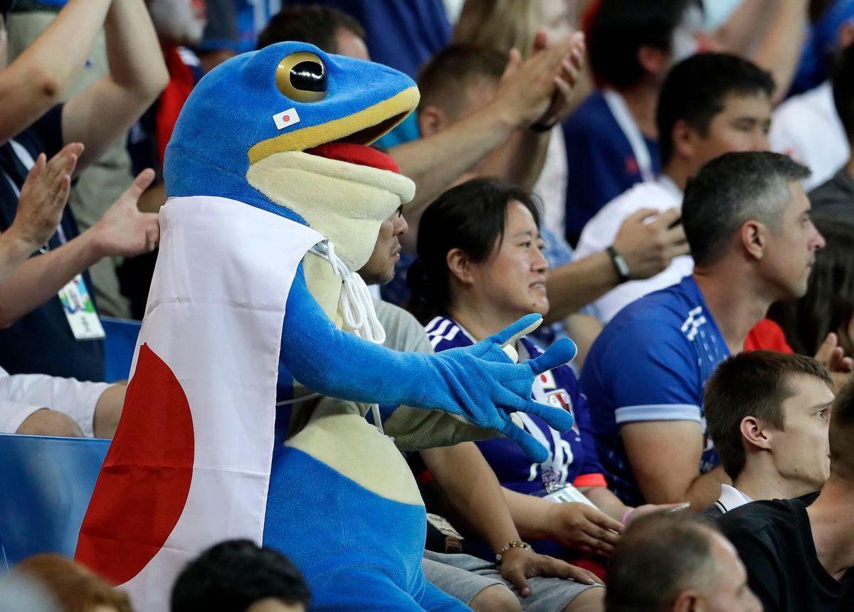 """Một fan Nhật Bản đã """"hóa trang"""" khi đến tham dự World Cup."""