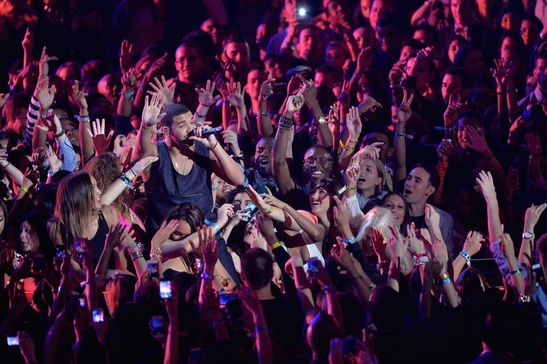 Các tour diễn của Drake luôn cháy vé chỉ vài giờ sau khi mở bán.