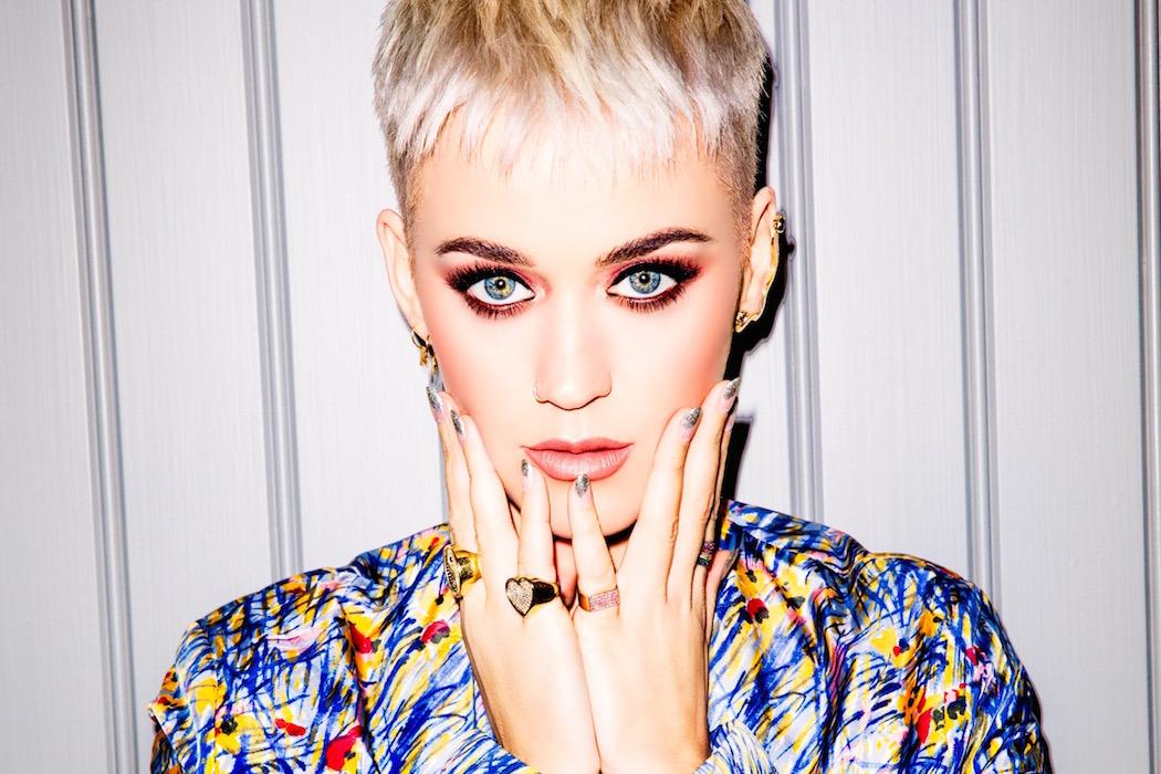 """Katy Perry: """"Tôi từng trốn chạy một thời gian dài nhưng giờ thì không thể nữa"""""""