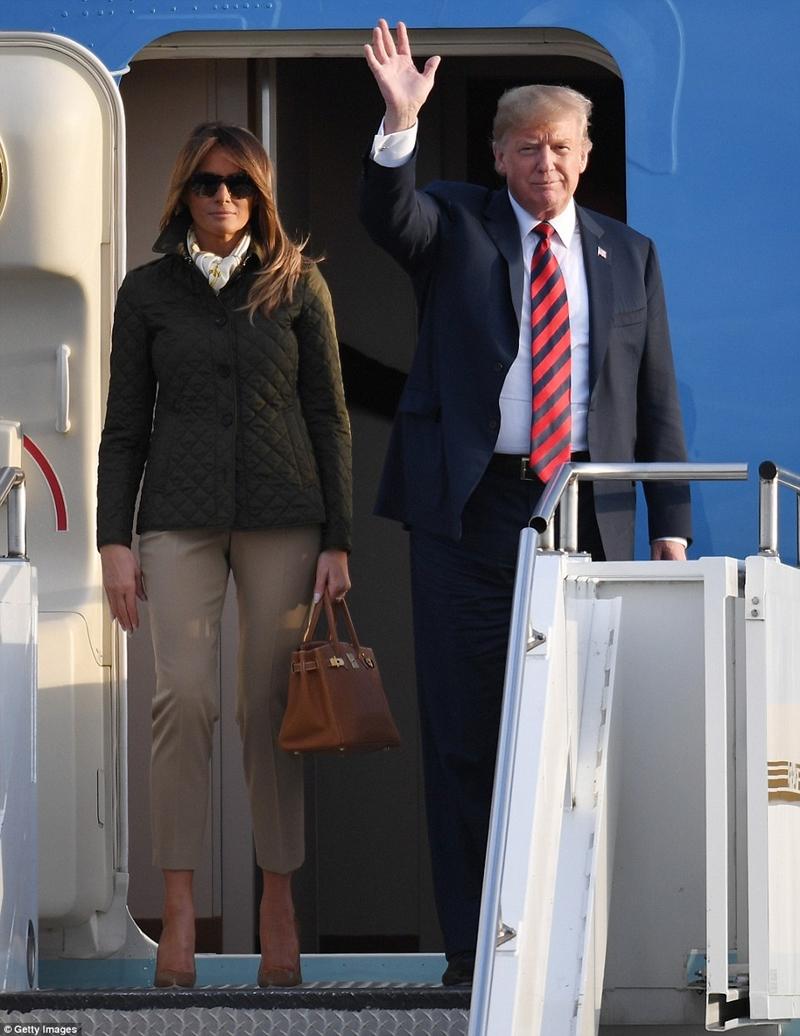 Kết lại hành trình công du 2 ngày tại vương quốc Anh, vợ chồng Tổng thống Mỹ đã cùng nhau bay đến Scotland.