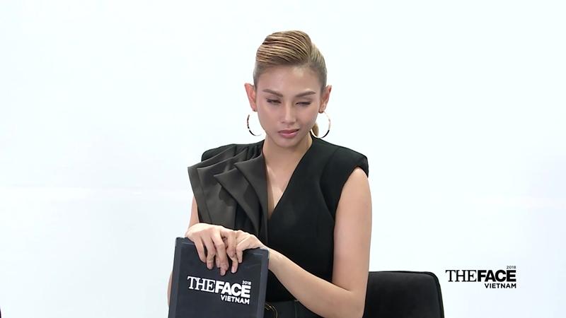 Nụ cười nhếch mép của Võ Hoàng Yến ở cuối teaser.