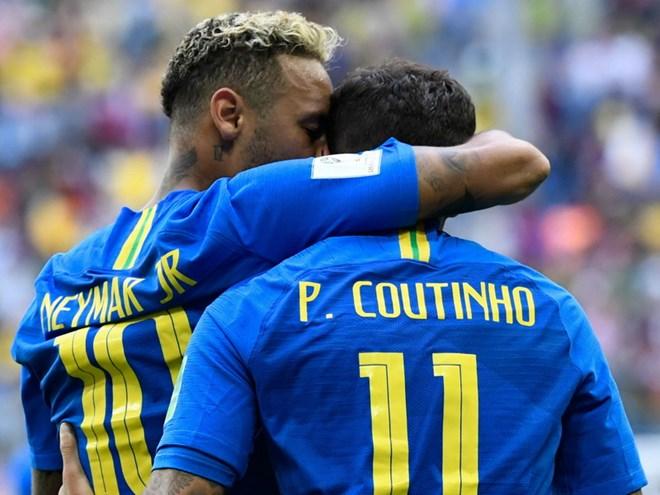 neymar__coutinho_yellow_card