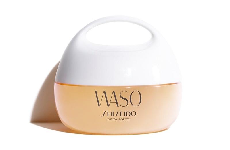 Shiseido Waso Clear Mega-Hydrating Cream: Kem dưỡng ẩm cấp nước chứa chiết xuất từ cà rốt, không dầu khoáng, không paraben. Sản phẩm có thể dùng bên trên hoặc bên dưới lớp trang điểm. Giá: 900.000VND