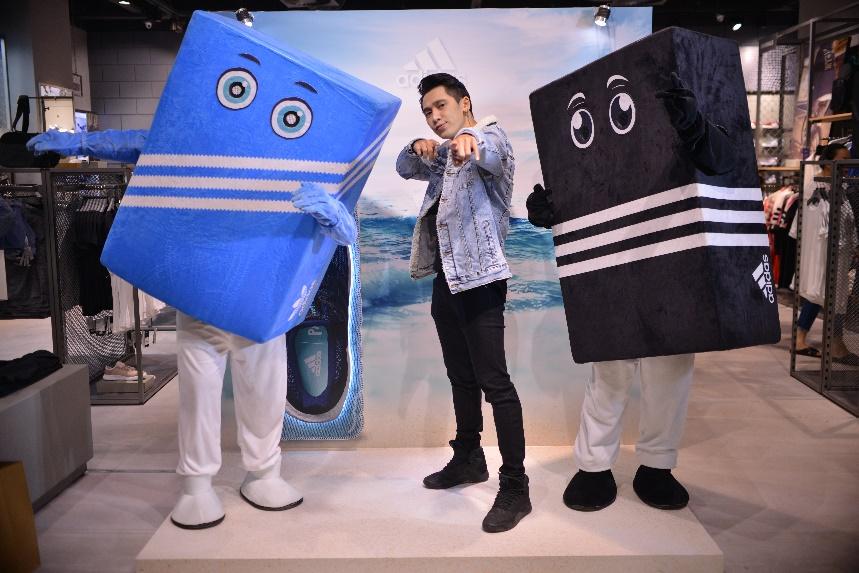 Tronie Ngô trẻ trung cá tính tại sự kiện khai trương cửa hàng adidas Landmark 81.