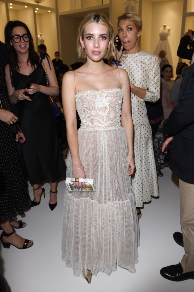 """Nữ diễn viên Emma Roberts - cháu gái của """"người đàn bà đẹp"""" Julia Roberts."""