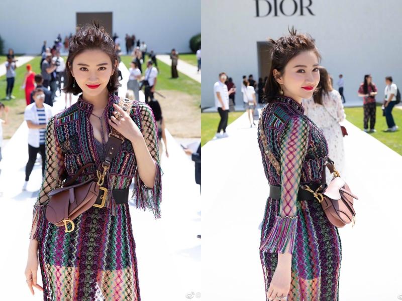 Cô nàng còn xách túi Saddle của Dior, hứa hẹn là chiếc túi sẽ gây bão trong nửa cuối năm 2018.