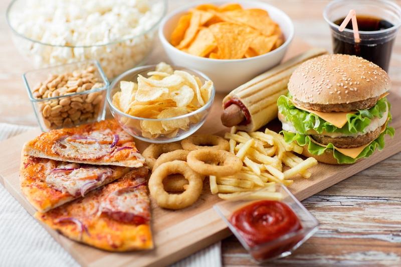 Đàn ông ăn nhiều carb (có nhiều trong tinh bột và đường) sẽ có mùi cơ thể kém hấp dẫn hơn.